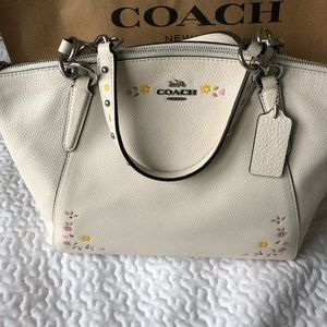 🆕 SMALL KELSEY SATCHEL WITH FLORAL TOOLING